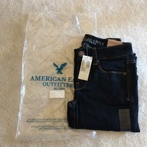 American Eagle Skinny Kick Jeans. Size 0